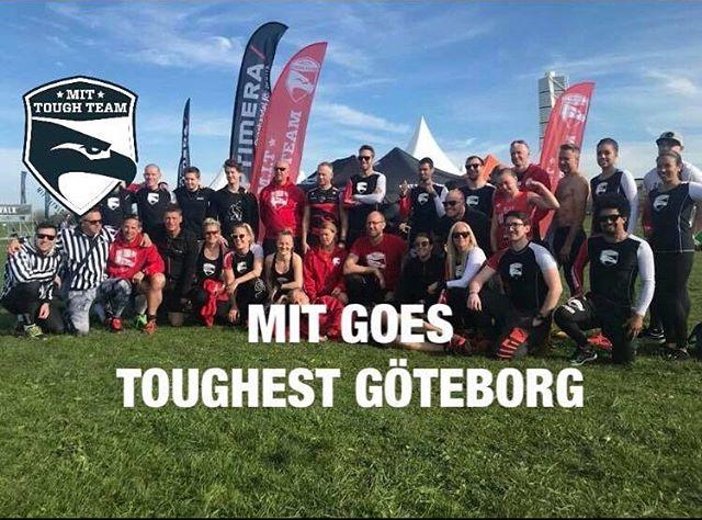 #RACEDAY Toughest Göteborg, nu kör vi 👊🏼 (Låne)Tälte på plats! Ett blött och lerigt lopp väntar oss. Önskar alla ett roligt och utmanande lopp. Se till att ha kul och våga utmana er själva. #OCRUNITED #MITtoughteam #toughest #optimera #avarnsecurity #dryrobeterritory #ocrteam #vardagsmotion #investeraidinhälsa
