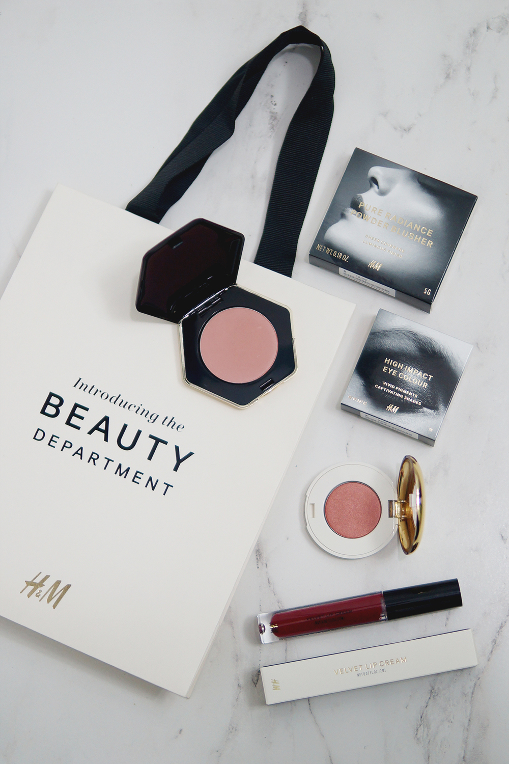 H&M Beauty Relaunch | laurenschroer.com