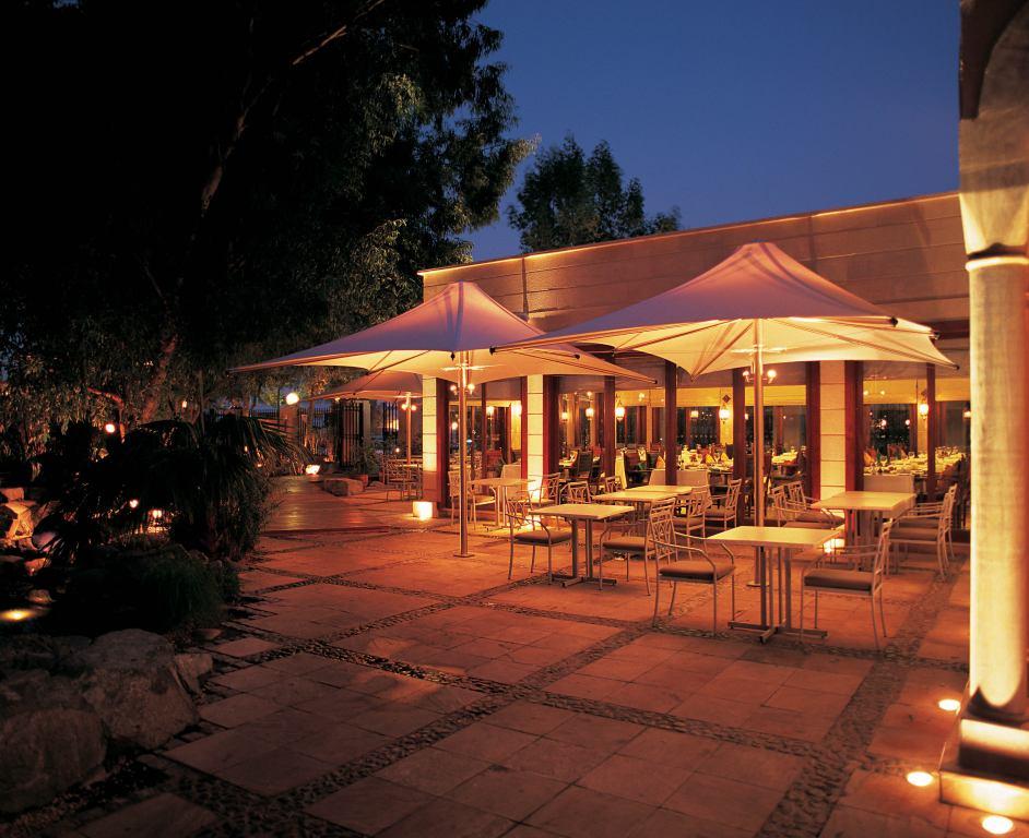 CR45 Al Majuna Restaurant, Dubai 03.jpg