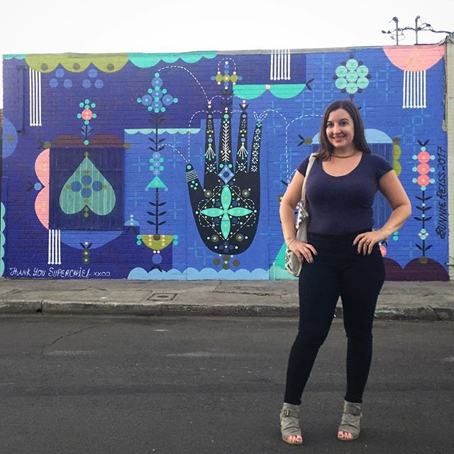 Thankful for art, 85 degree weather & amazing friends. 💜 Mural by @bunnieluvrocks Photo by @dancinheather #dtla #bunnieluvrocks #spaceangels #love #happiness #gratitude #streetart #color #beeverywomanla #losangeles #themusecrypt