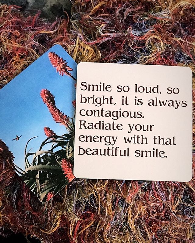 It's Sunday. Smile. Spread it around. Cards available at themusecrypt.com #inspiration #smile #energy #sunday #positive #mantra #cybermonday #themusecrypt
