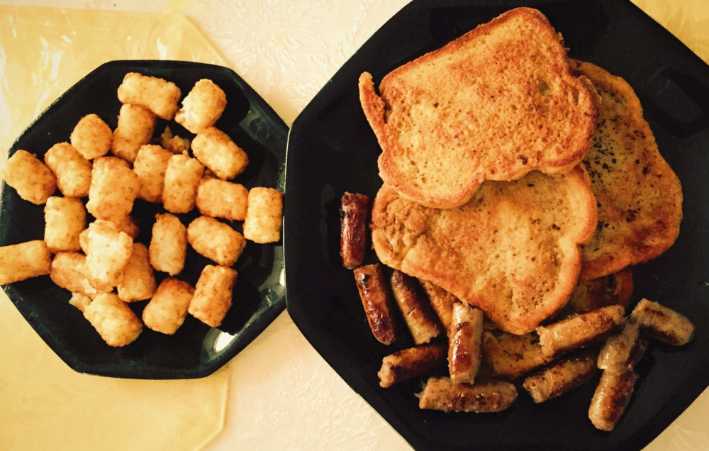 Cinnamon Vanilla French Toast w/ sausages and tater tots