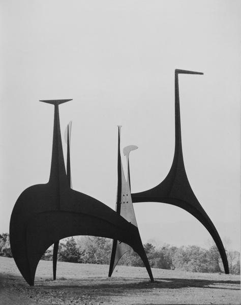 blushingcheekymonkey: alexander calder - large spiny (1966)