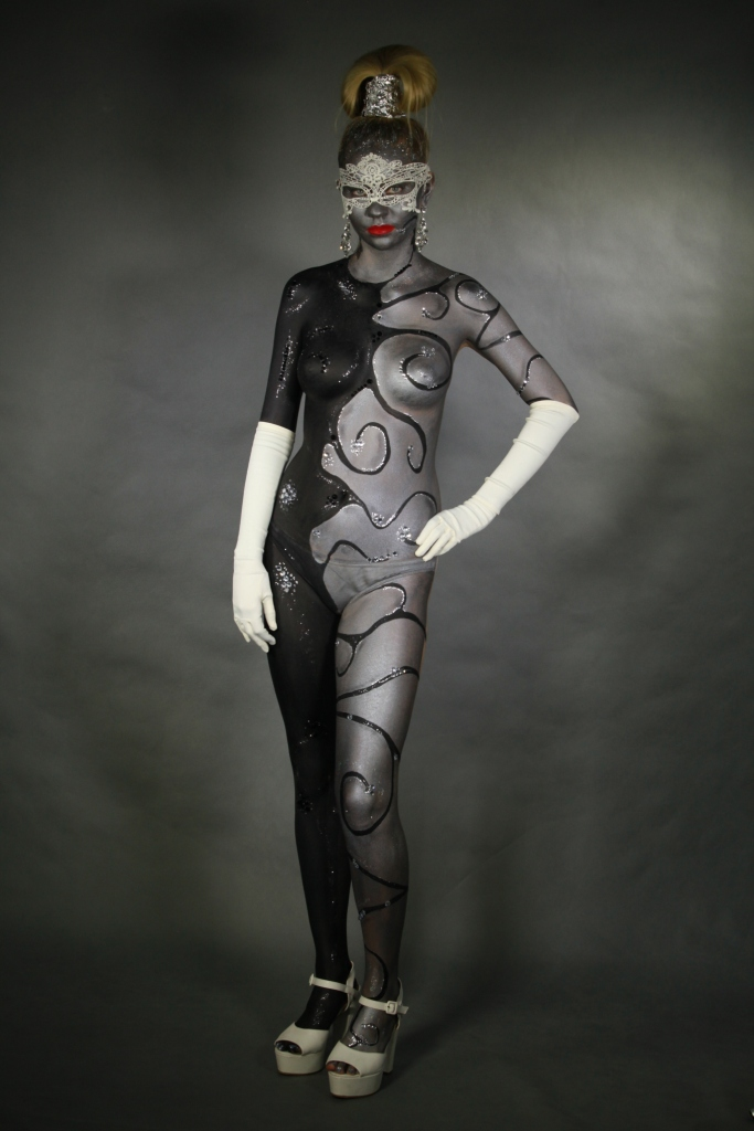 """body painting. :Diamonds are a girls best friend""""."""