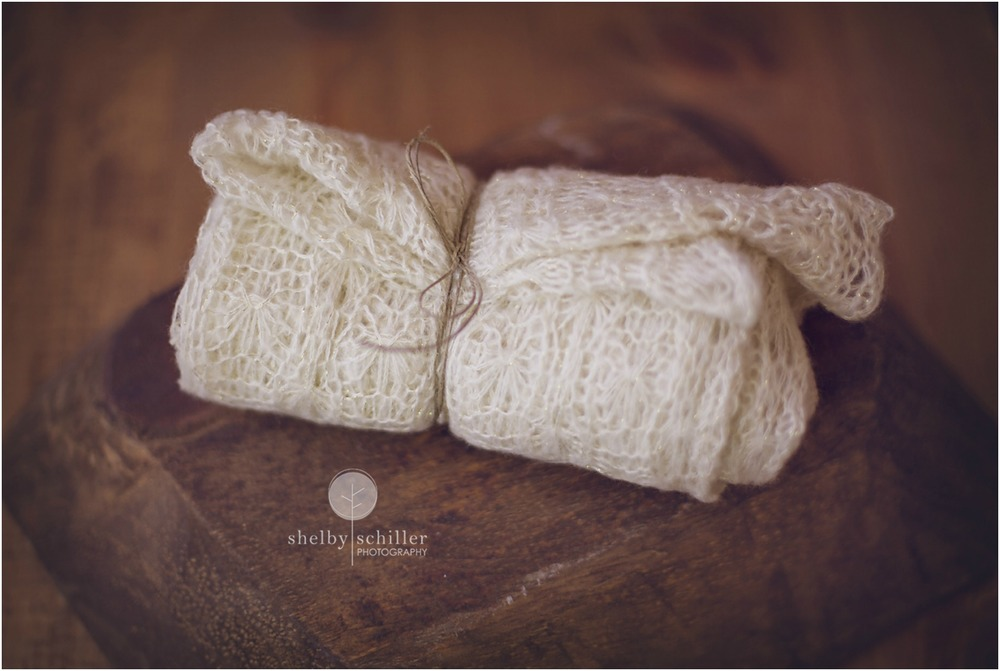 cream-colored-wrap-with-pattern-for-baby-photo