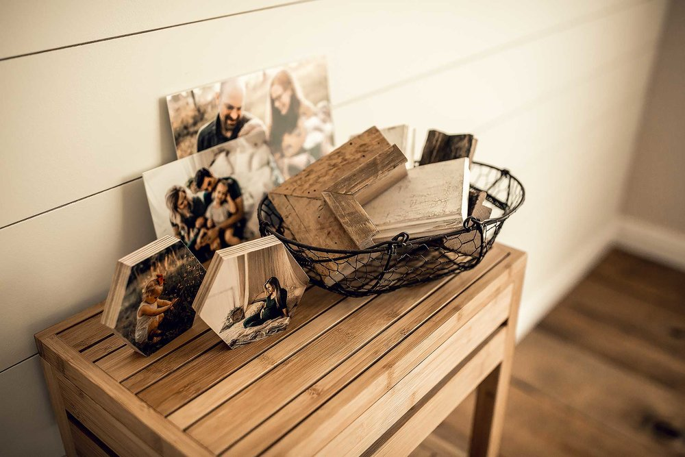 shelby-schiller-photography-lifestyle-studio-barnwood-frames-shiplap-wall.jpg