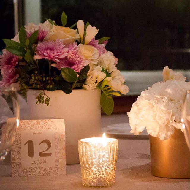 Allí donde sucede la magia ✨ #numerosdemesa #15años #boda #celebracion #hechasparacompartir