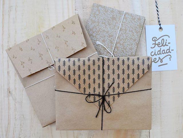 Packs de sobres ✉️ ideales para darle un plus 🔝 a tus regalitos estas fiestas 🎉 #hechasparacompartir #celebracion #papel #felicidades