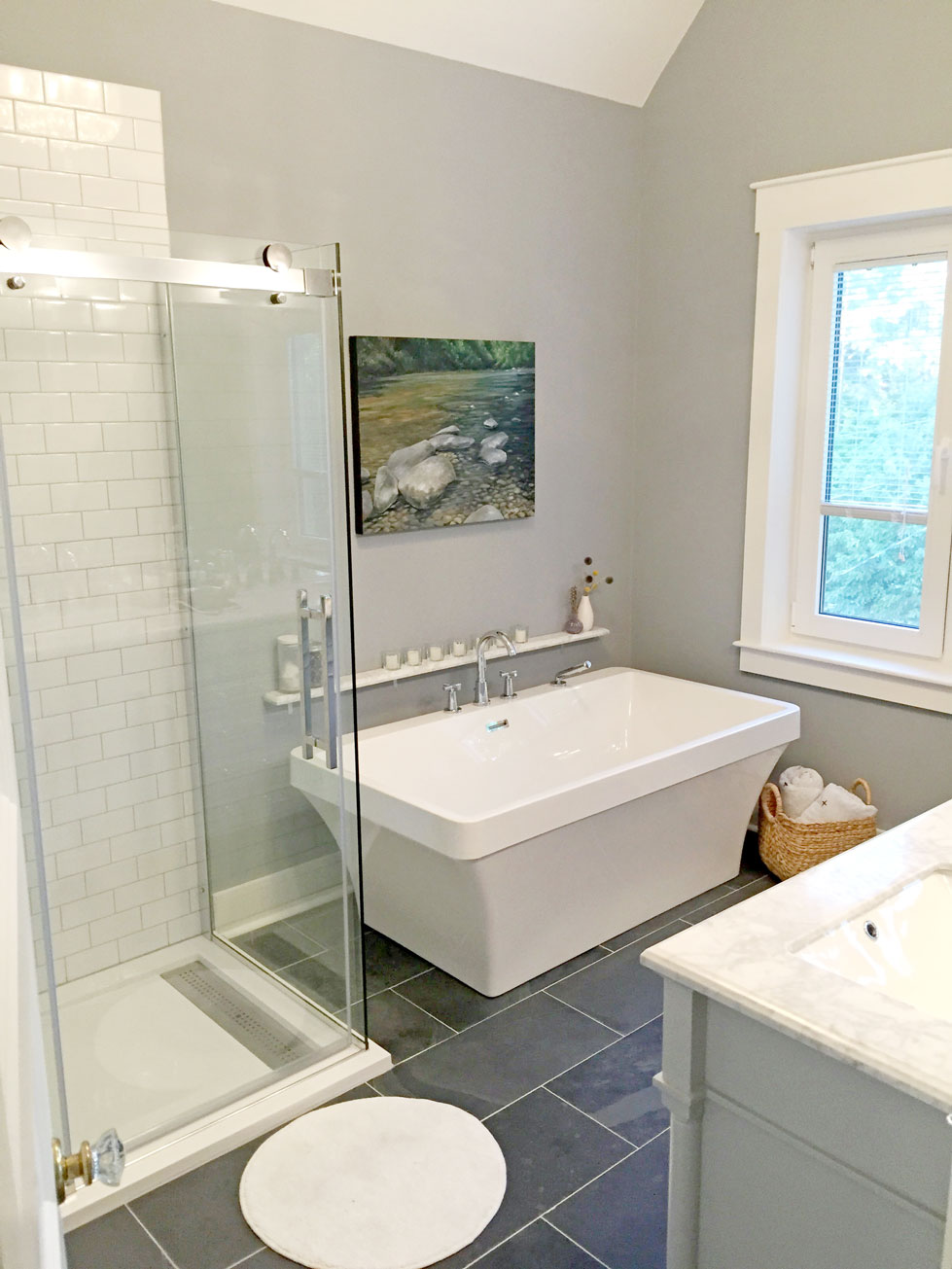 3rd fl bath 5.jpg