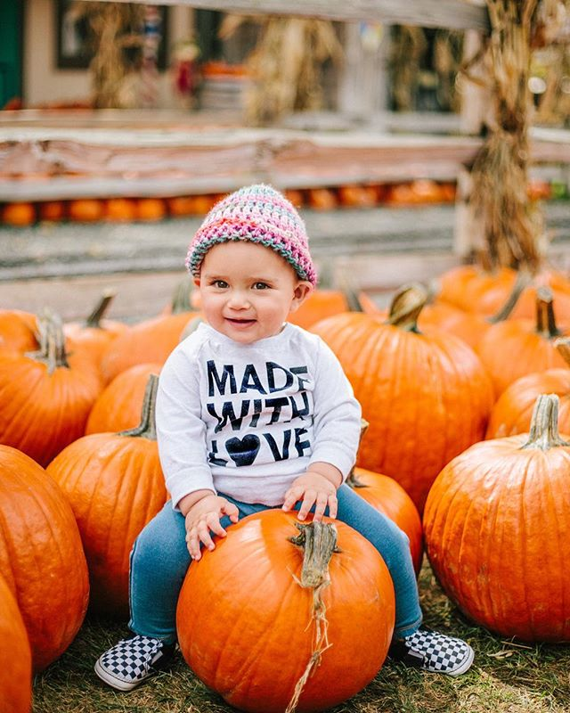 Pumpkin patch festivities with her buddy Libby! 🧡🎃🍁🍂
