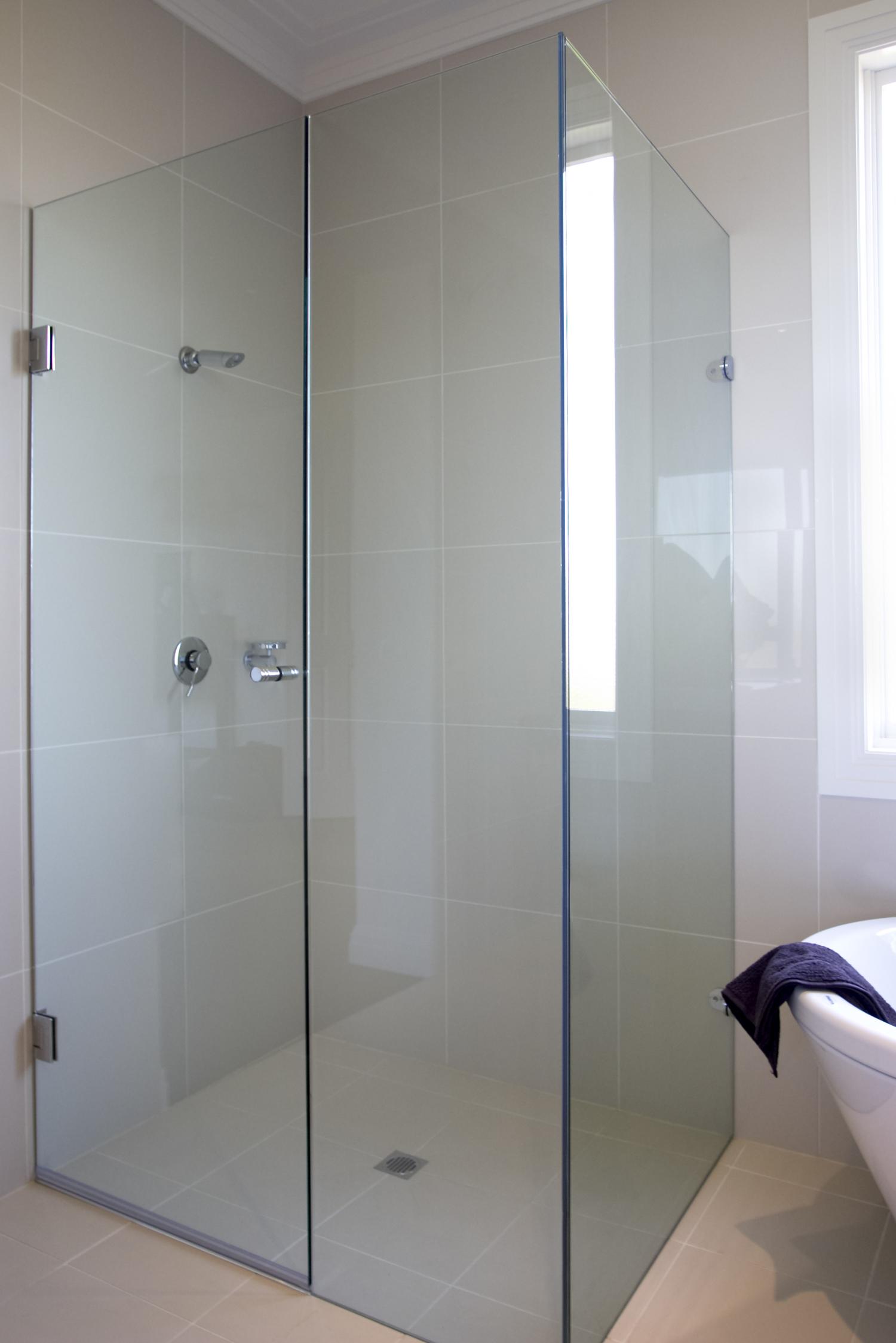 Shower Screens — Werribee Glass Glazing