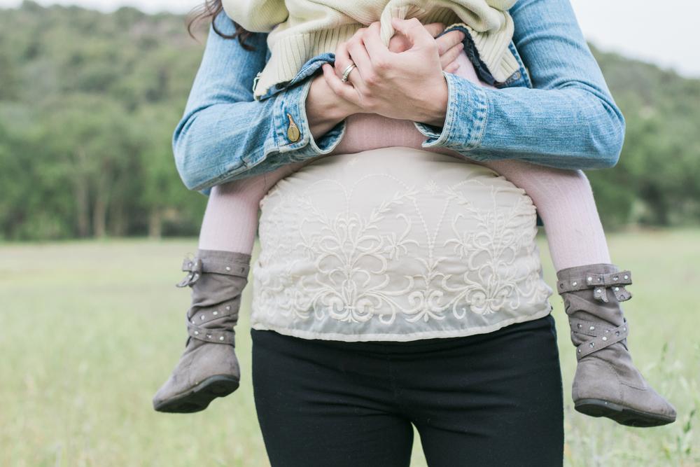 Jessica,Pierce,&Lydia_Maternity-11.jpg