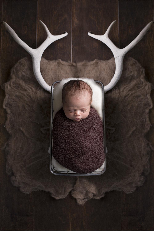 Colton_Newborn-01.jpg