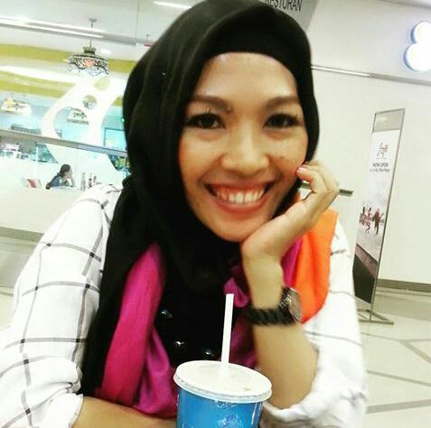 Alyum Melati. 37 YO. 17 years experience. Full time tutor / ex-school teacher.  1) Miss Melati's teaching methods are quite effective and very easy to catch up. She is very polite and  quite fluent in her Malay and English.  Overall,  she is an excellent and awesome teacher 2) She s good  👍👍👍  Always punctual and patient
