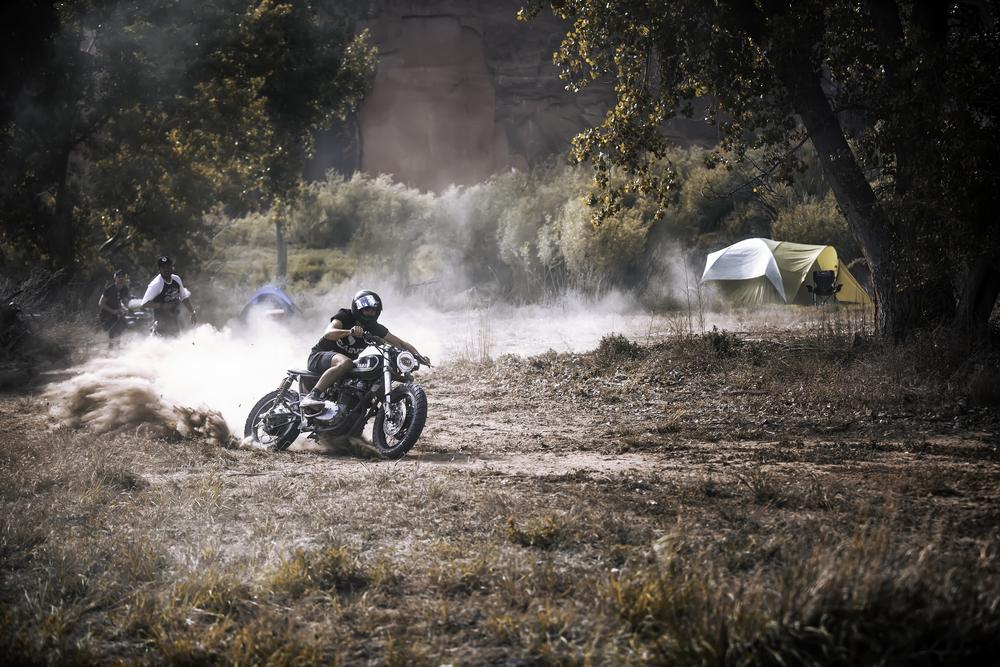 Wesley Case Let me me take his bike for a burn. Thanks homie!