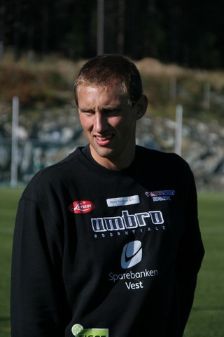 Ein super keeper som har stått i mål for Sogndal, Årdal og Førde. Vegard har òg spela kampar for aldersbestemte landslag. Var fram til 2009 keeper i Kaupanger.