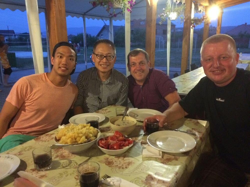 Dinner with Vasya and Valery