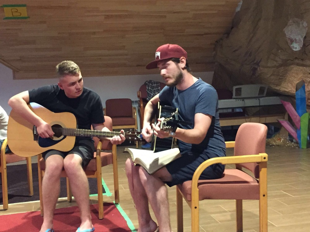 Tuesday night, we have a Wonderful praise and worship time with Pål leading us at the Camp.