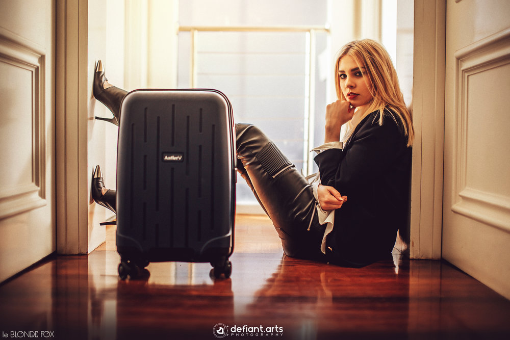 Suitcase Featured: LIGHTNING ROLLER CASE