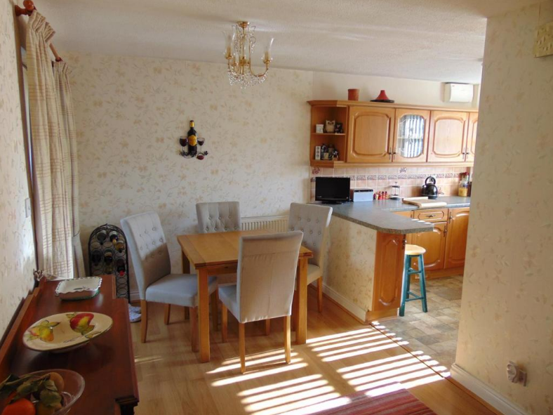 Dining Area-Kitchen.PNG
