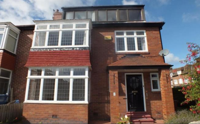 2 Fowberry Crescent, Fenham, Newscastle Upon Tyne. NE4 9XH 5 bedrooms - £255,000