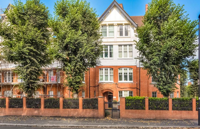 17a Esmond Gardens,South Parade, London. W4   1JT     2-bedrooms - £569,950