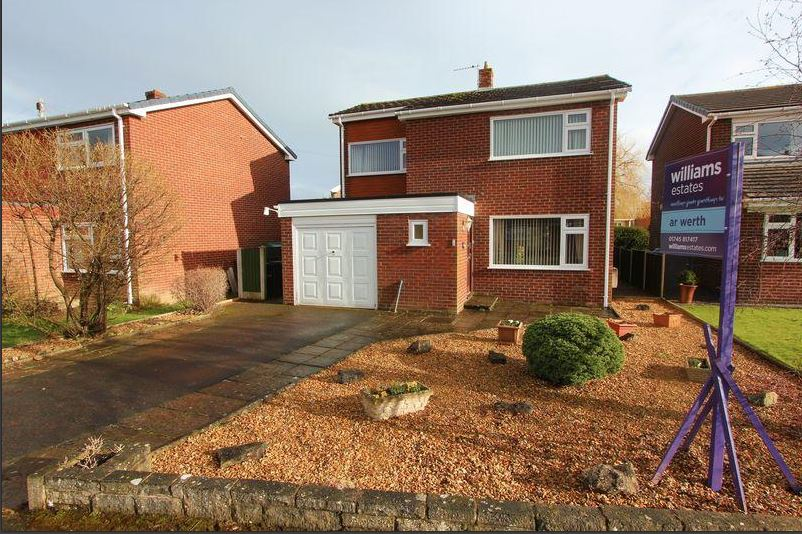 3 Lon Nant, Denbigh, LL16 4B    3-bedroom house - £190,000