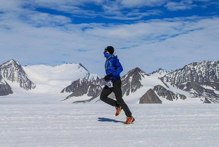 David Gething races through Alaska as part of his seven marathon world tour in support of Sunbeam