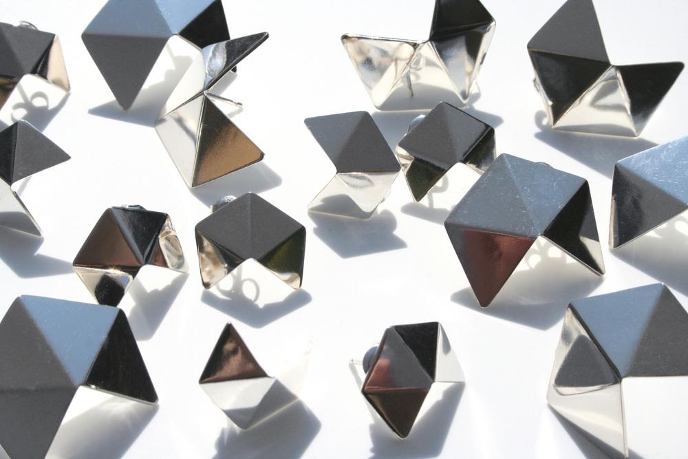 GEOM-earrings-DanielleVroemen.jpg