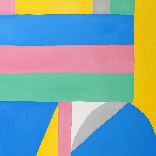 Het werk van Jacco Bunt zijn op hout geschilderd en hij heeft zijn eigen baklijsten gemaakt om het werk precies te presenteren op de manier hoe hij dat graag ziet #art #artoftheday #artist #painting #color #composition #thehague #kunst #schilderij #denhaag