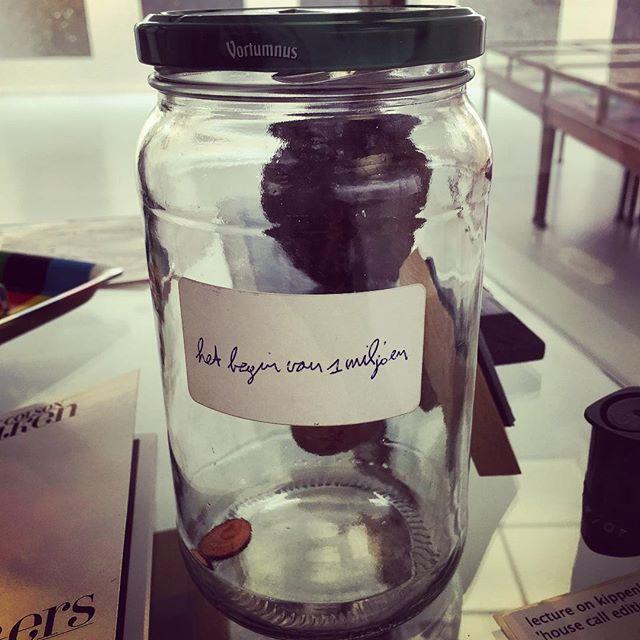 Je moet ergens beginnen! #moneymoneymoney #vaastcolson #muhka #antwerpen #showmeyours #art #collecting