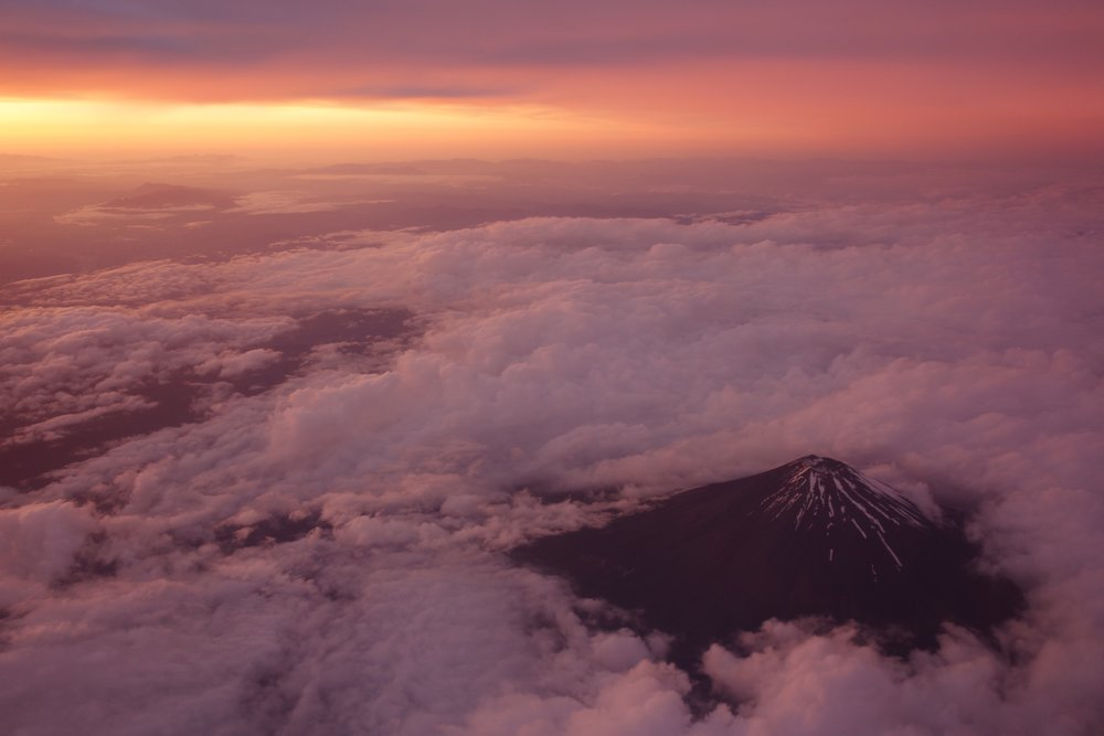 Mount Fuji from above, by Hghask Ekorb
