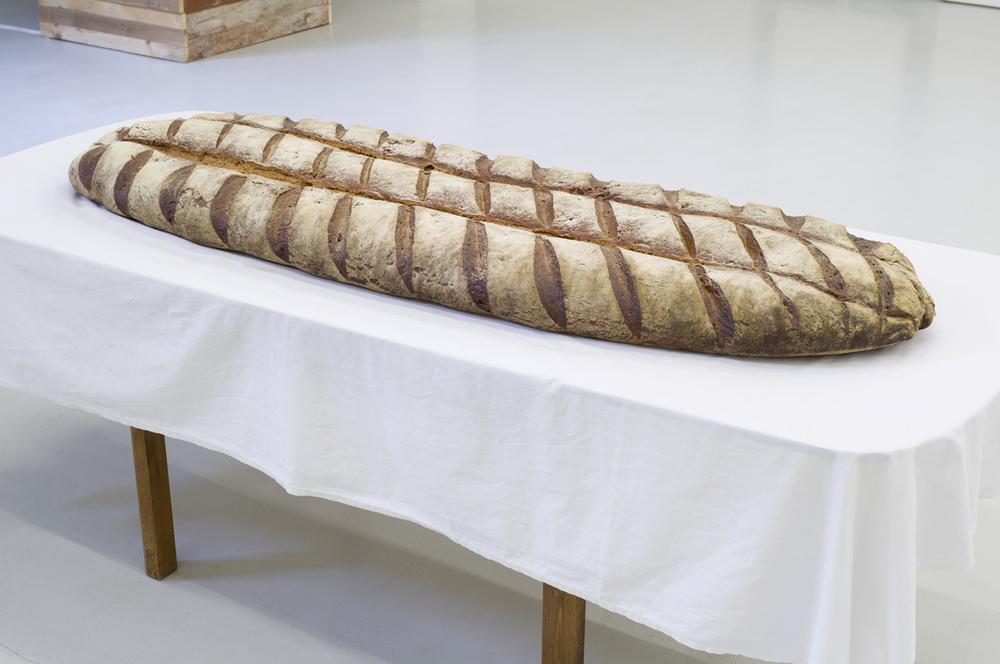 Sebastian Gräfe, Brot & Salz,  2012 bread, salt, 180 x 60 x 20 cm