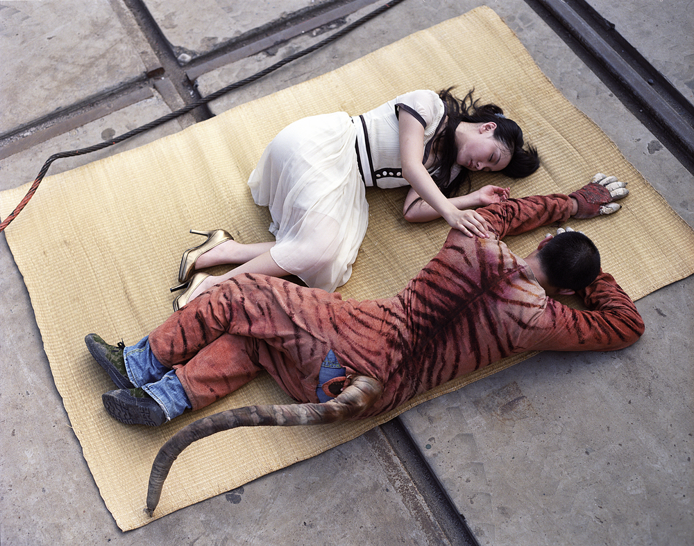 Linyi and Tiger, 2007 digital c-print,102 x 127 cm