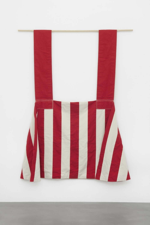 1985-1,  1985 cotton, raw, red, 250 x 180 x 500 cm