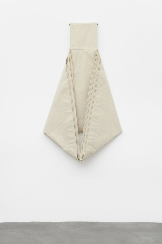 1983-3,  1983 cotton raw, 150 x 80 x 50 cm