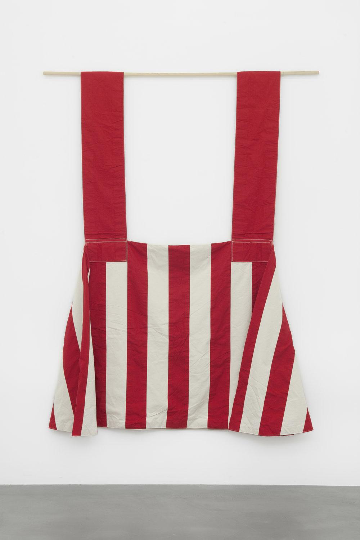 1985-1 , 1985 cotton, raw, red, 250 x 180 x 500 cm