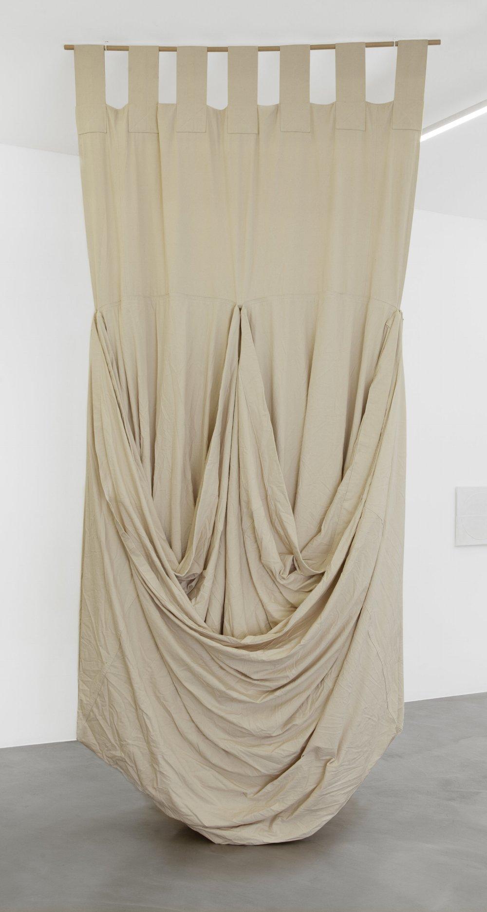 1985-5 , 1985 cotton, raw, 400 x 200 x 120 cm