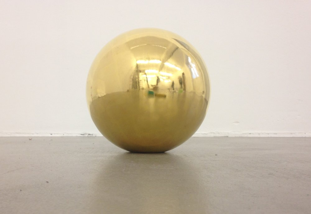 Claudia Wieser  Untitled,  2015 wood coated in gold leaf, 24 cm