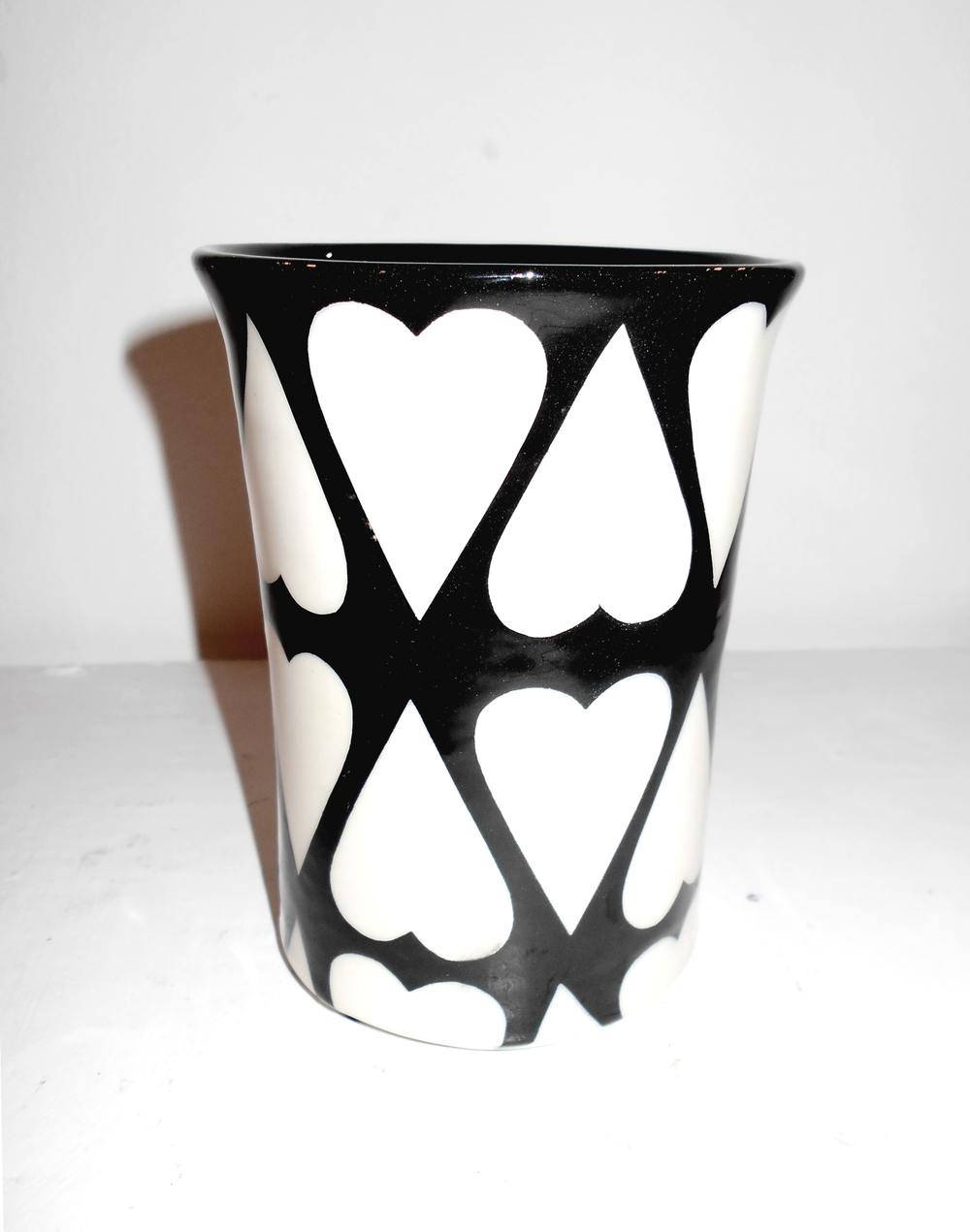 Black and White Cariad Cylinder  ceramic