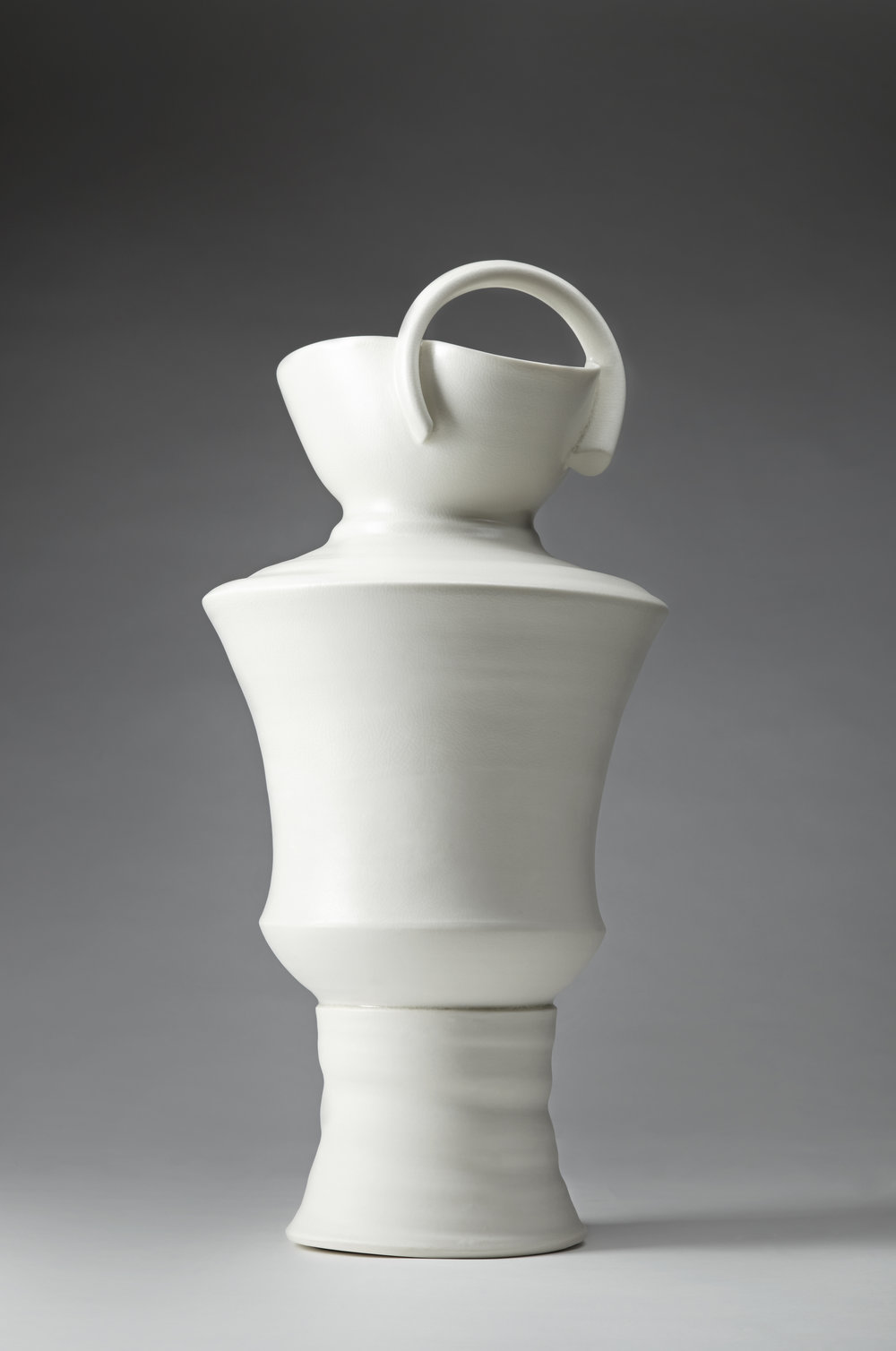 Loop Vessel porcelain