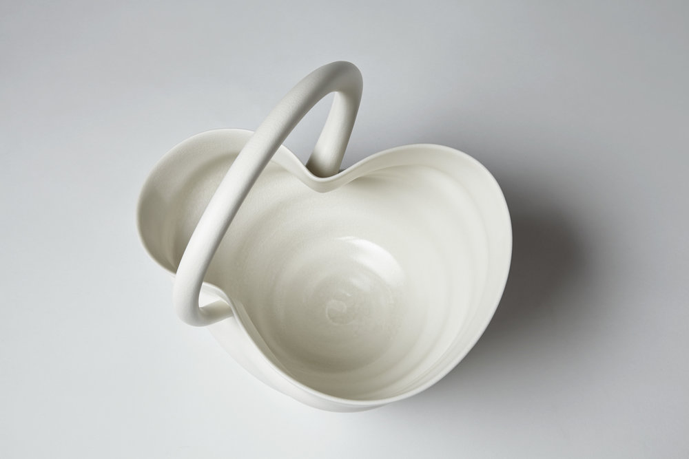 Stretching Handle Bowl porcelain