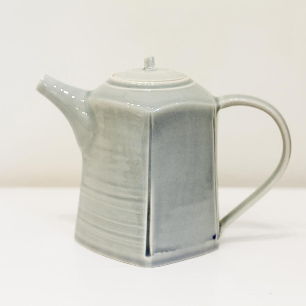 Teapot Porcelain 17x24cm £650
