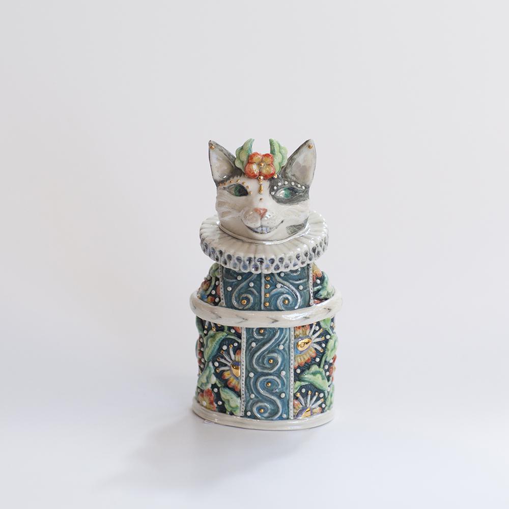 Smiling Cat Treasure Box  ceramic  11x5cm  sold
