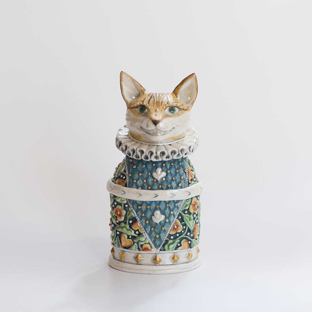 Large Smiling Toby Cat Treasure Box  ceramic  14x6cm  sold