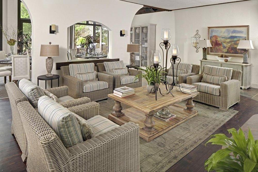 Outdoor-living-room.jpg