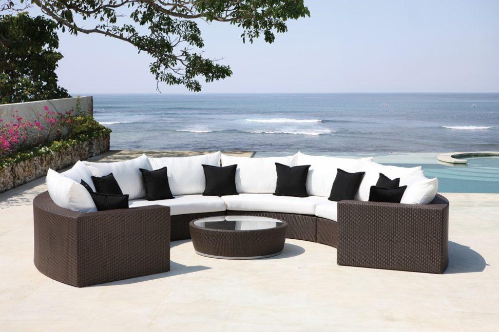 semi-circular-stone-garden-bench-semi-circular-garden-seat-semi-circular-garden-seat-972x648.jpg