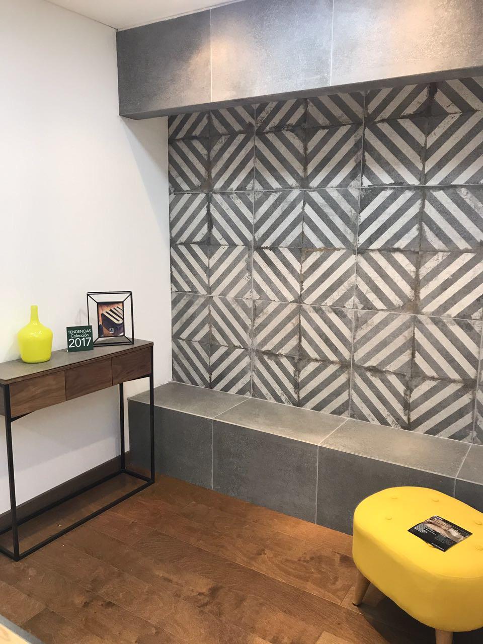 ambiente innovador zona de estar piso en madera decorado espacio