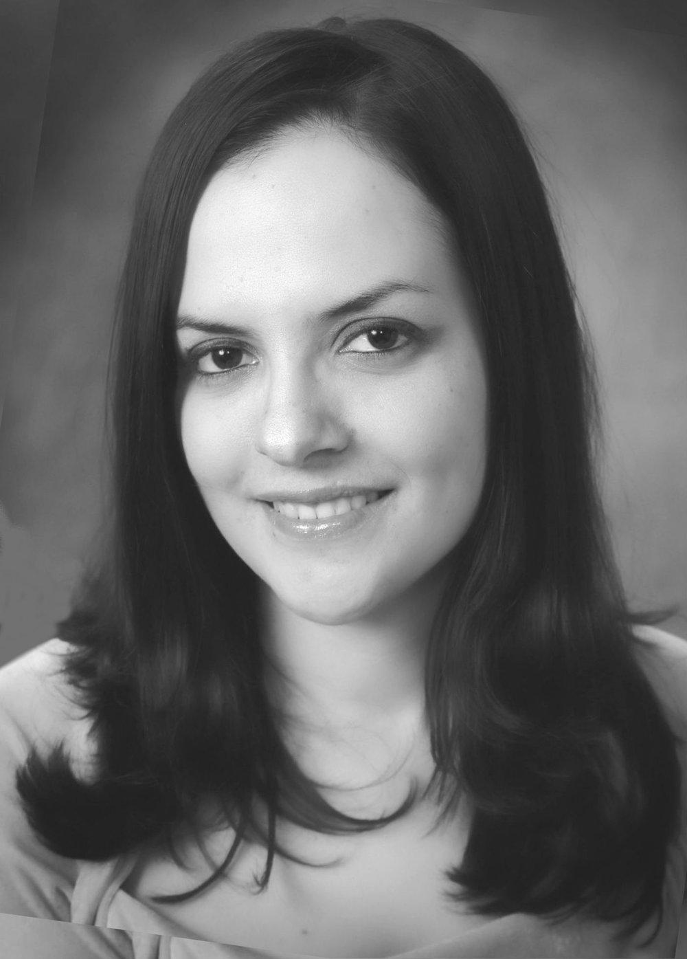 Karin Tovar  Bilingual Case Manager