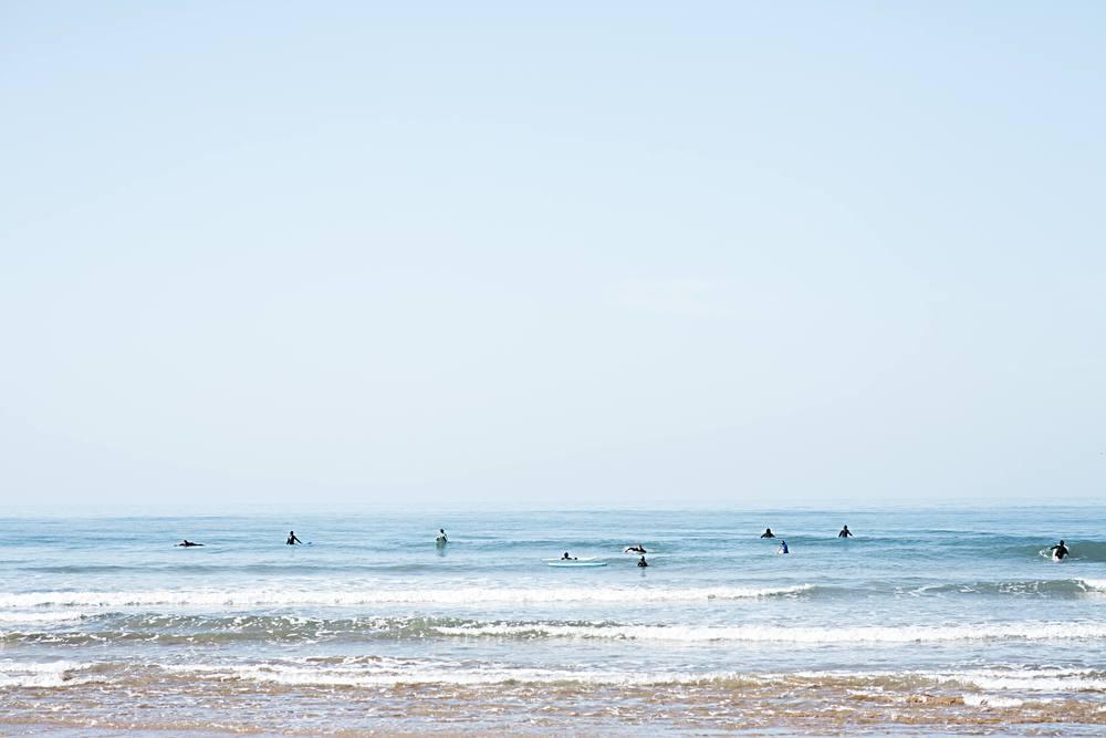 Surf chillinglowres.jpg